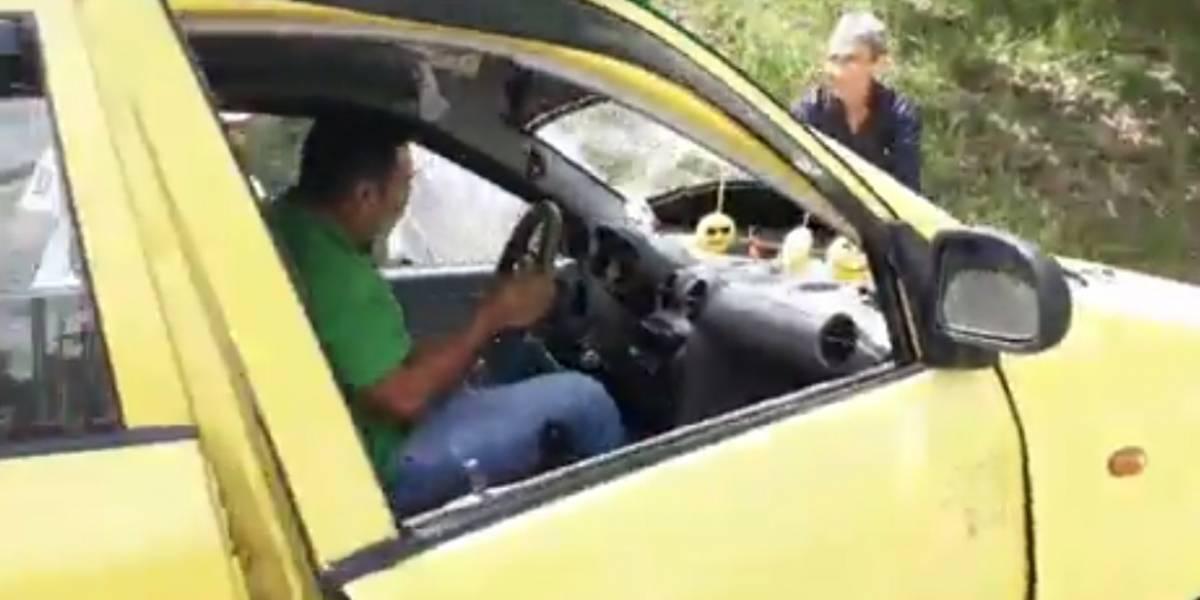VIDEO: Taxista atropelló a un hombre que le reclamó por estrellar su automóvil