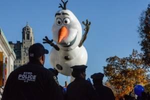 Seguridad en desfile de Acción de Gracias