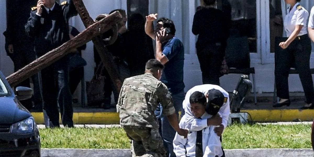 Dolor y llanto entre familiares de tripulantes de submarino argentino desaparecido