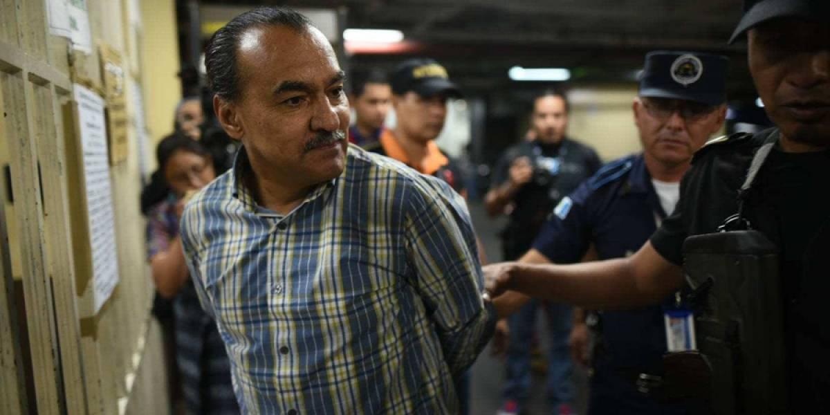 Señalado en caso de corrupción es entregado a autoridades de Guatemala tras ser extraditado