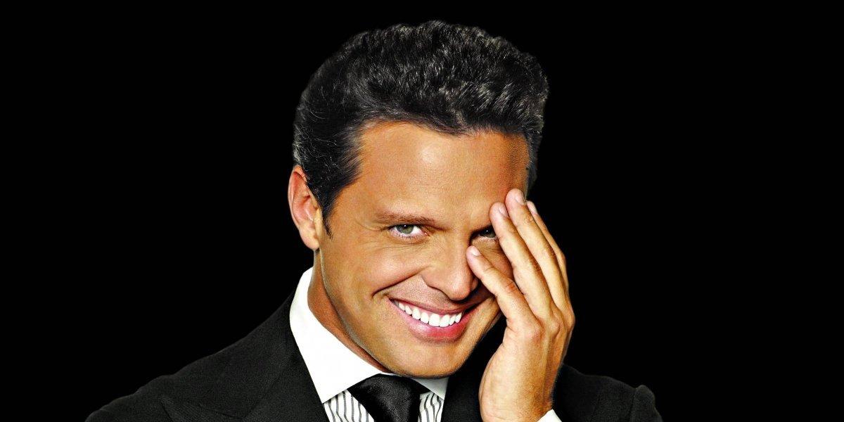 Actor se separa los dientes para parecerse a Luis Miguel en la serie de Netflix