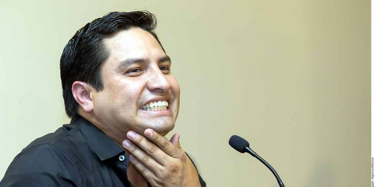 Ni diablo ni santo; una charla con Julión Álvarez