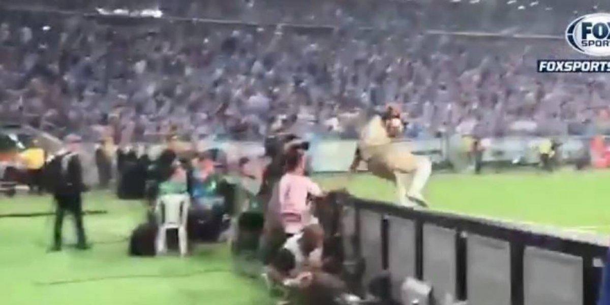 Gremio se llevó la primera: venció a Lanús 1 a 0