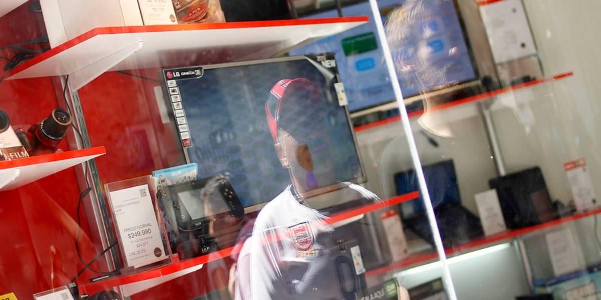 Sernac demanda a multitienda por cláusulas abusivas y vender seguros sin consentimiento
