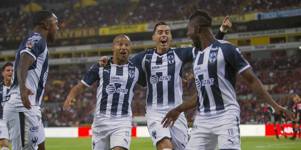 Monterrey pone un pie en semifinales tras vencer al Atlas