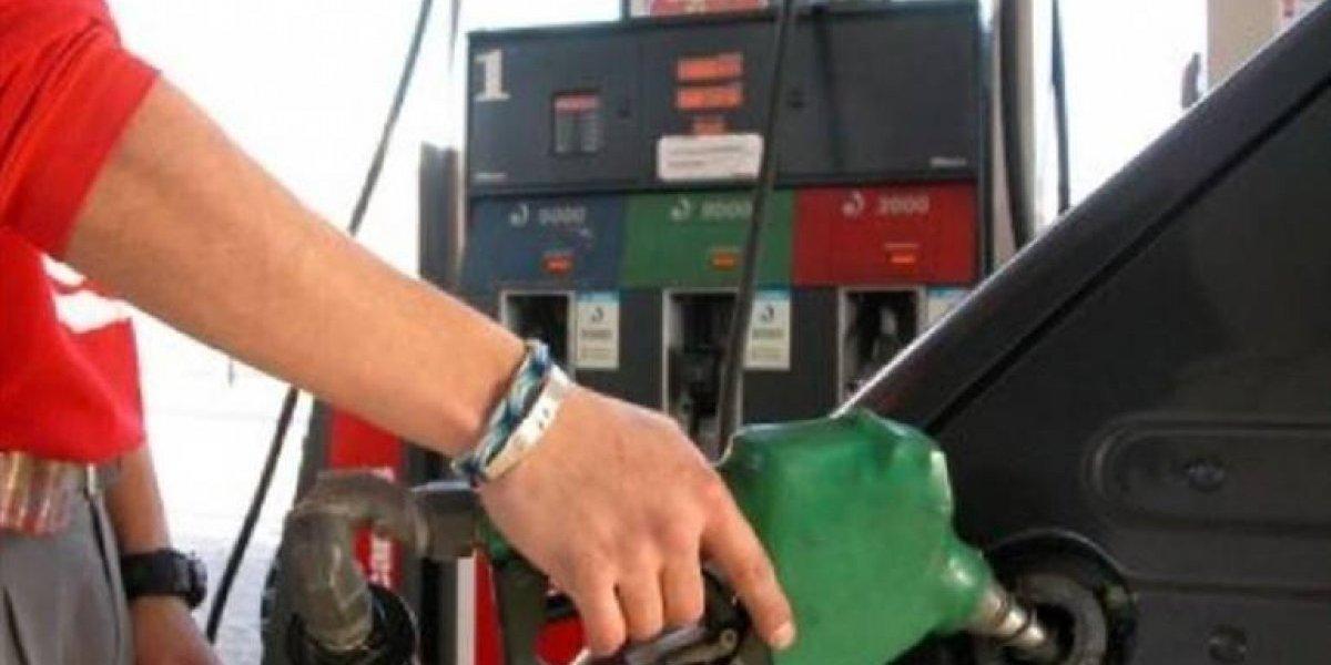 Gasolinas bajan tres pesos y GLP permanece congelado