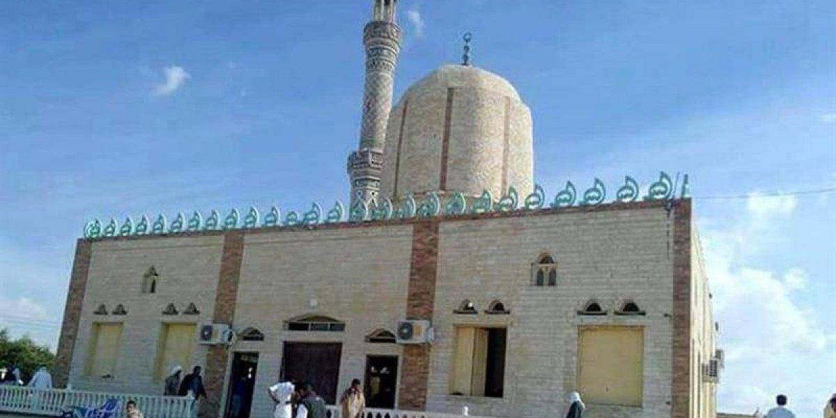 El peor atentado en la historia del país: Cerca de 200 víctimas fatales deja atentado contra una mezquita en el Sinaí egipcio
