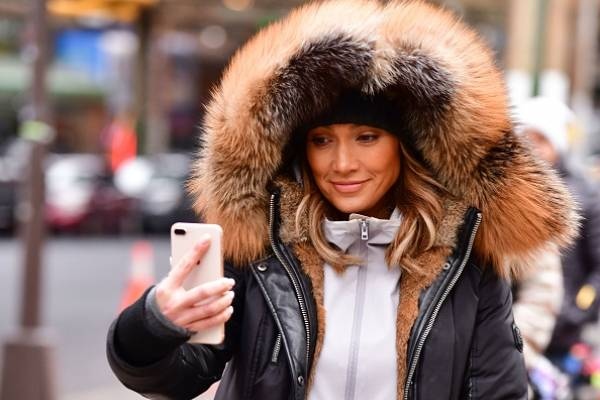 Jennifer Lopez, casi desnuda en pleno show