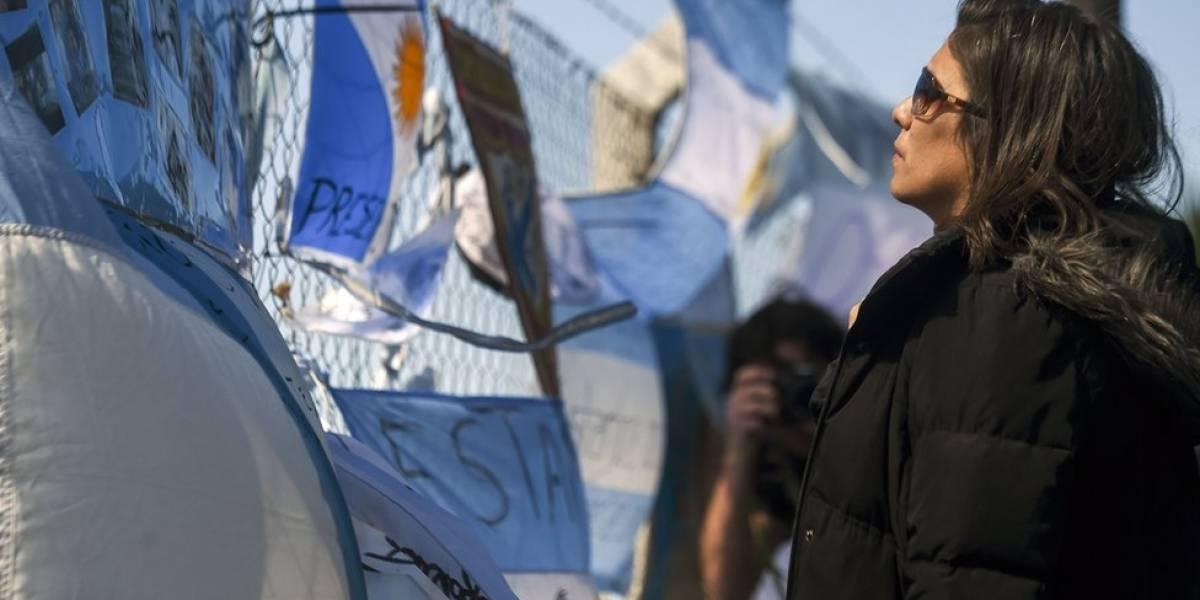 """Submarino argentino ARA San Juan: la posible """"explosión"""" investigada una semana después y otras 4 incógnitas que deja su desaparición"""