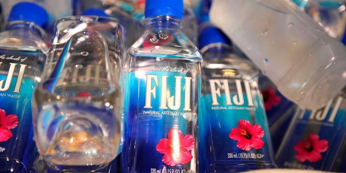 El controvertido negocio de Fiji, el agua de lujo que recorre más de 12.000 kilómetros para llegar a los consumidores