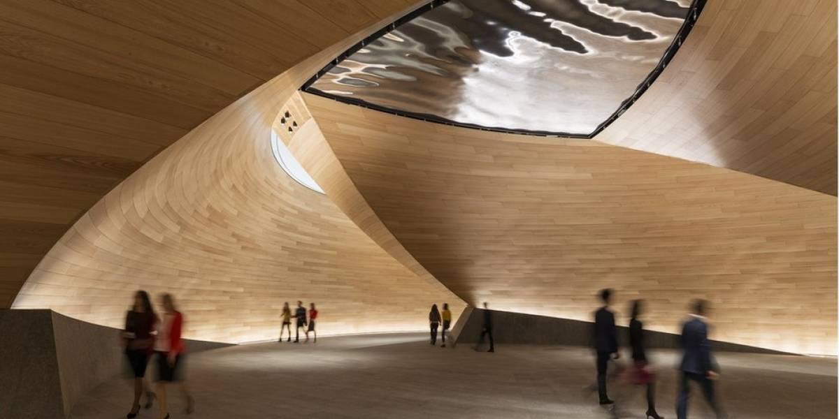 """Un edificio que """"respira"""" en el corazón de Londres: así son por dentro las oficinas de Bloomberg en el edificio """"más verde"""" del mundo"""