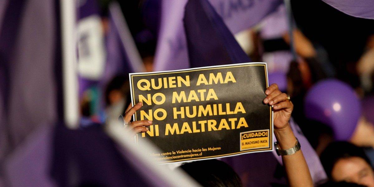 Marcha contra la violencia hacía la mujer reúne cerca de 10 mil asistentes
