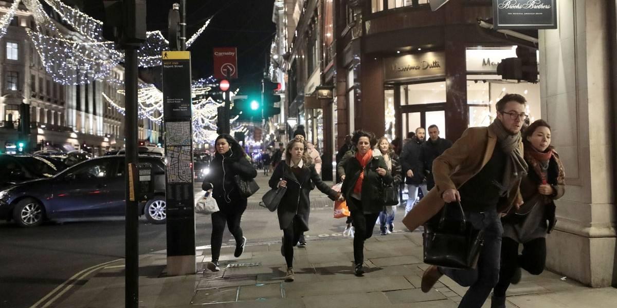 Polícia britânica quer interrogar suspeitos por terem iniciado pânico em estação
