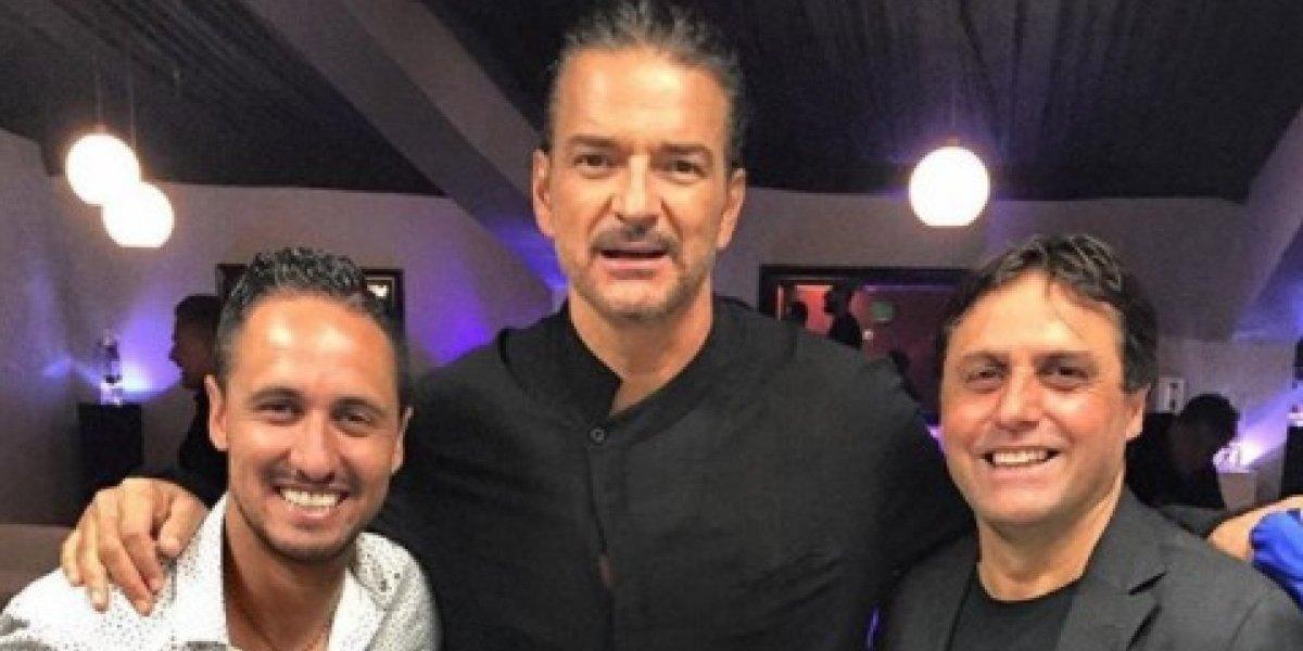 """Hoyos detalló su relación con Arjona y comparó a sus jugadores de la U con """"Señora de las cuatro décadas"""""""