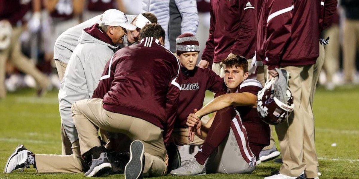 Jugador de futbol americano colegial sufre grave lesión