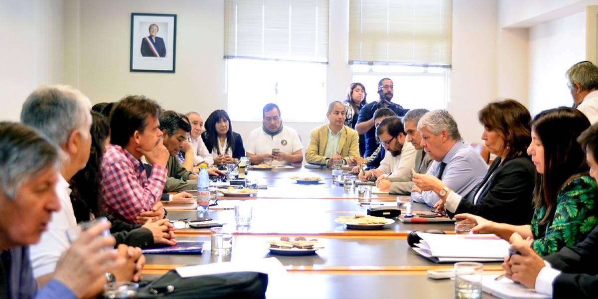 Reajuste sector público: última reunión con Hacienda fracasa y trabajadores advierten de nuevas movilizaciones