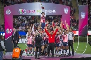 https://www.publimetro.com.mx/mx/publisport/2017/11/24/chivas-historico-campeon-la-liga-mx-femenil.html