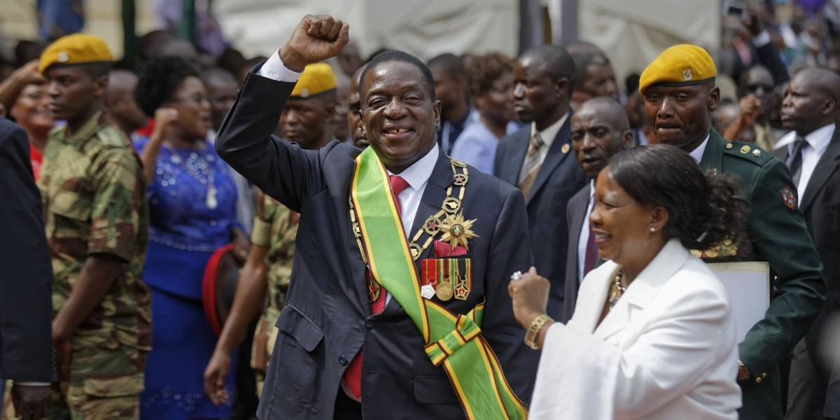 Determinan legal la acción militar para sacar del poder a Mugabe