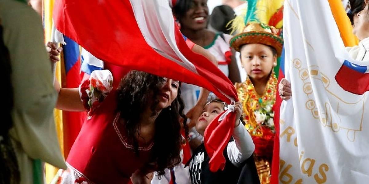 """Haitiano que salvó a mujer de un suicidio encabezará festival """"Migrafest"""", la fiesta de los migrantes en Chile"""