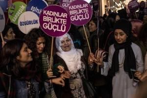 Manifestaciones en el Día Internacional de la Eliminación de la Violencia contra la Mujer