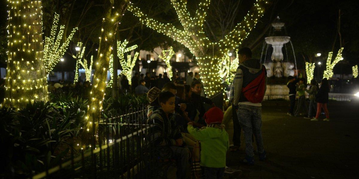 Las más espectaculares imágenes de la iluminación navideña en la La Antigua