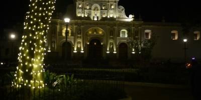 Iluminación Plaza Central, La Antigua Guatemala