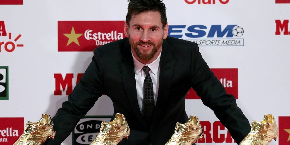Messi renova com Barcelona até 2021