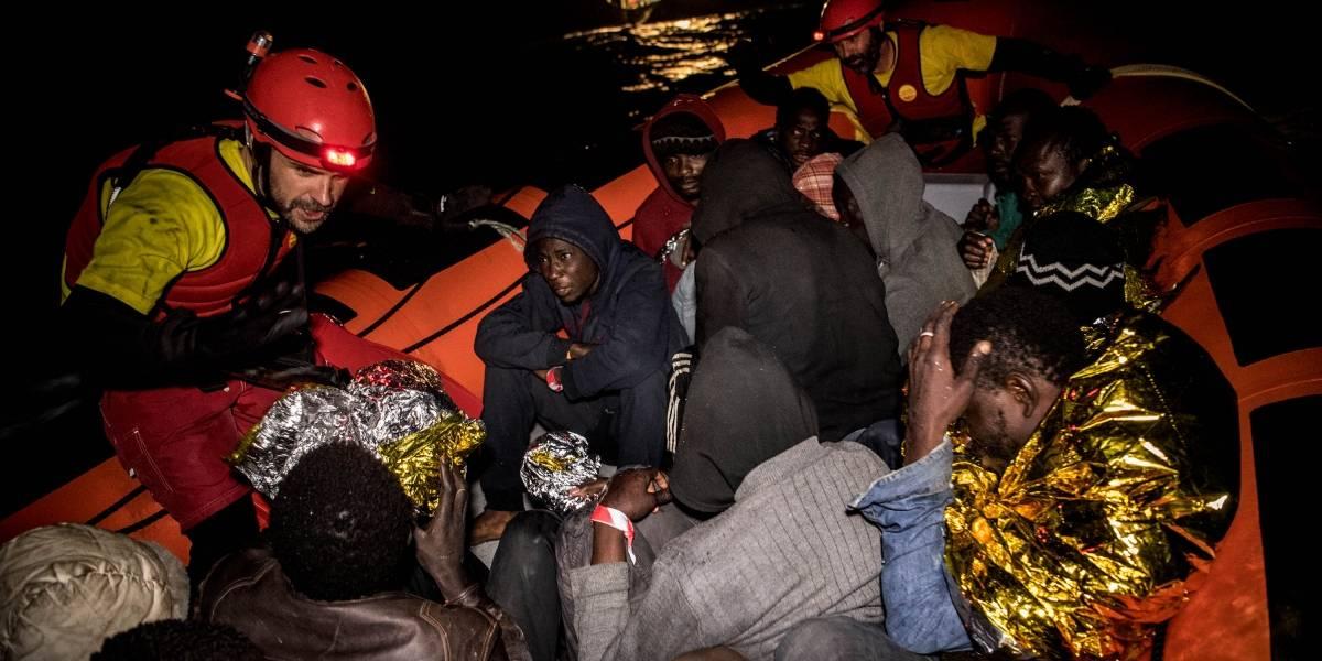Naufrágios na Líbia matam ao menos 30 pessoas; 326 são resgatados