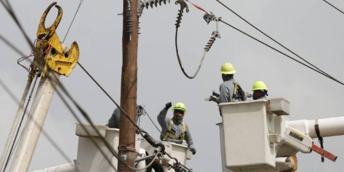 Crean iniciativa para residentes de Jayuya sin servicio de luz