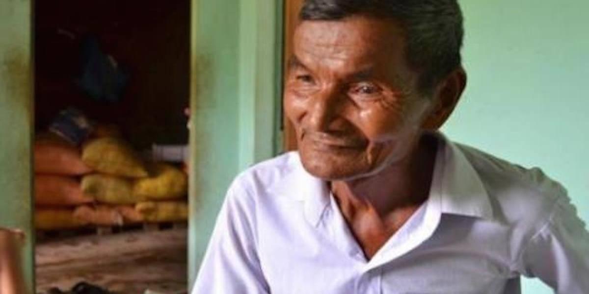 Hombre de 75 años asegura no haber dormido en 42 años