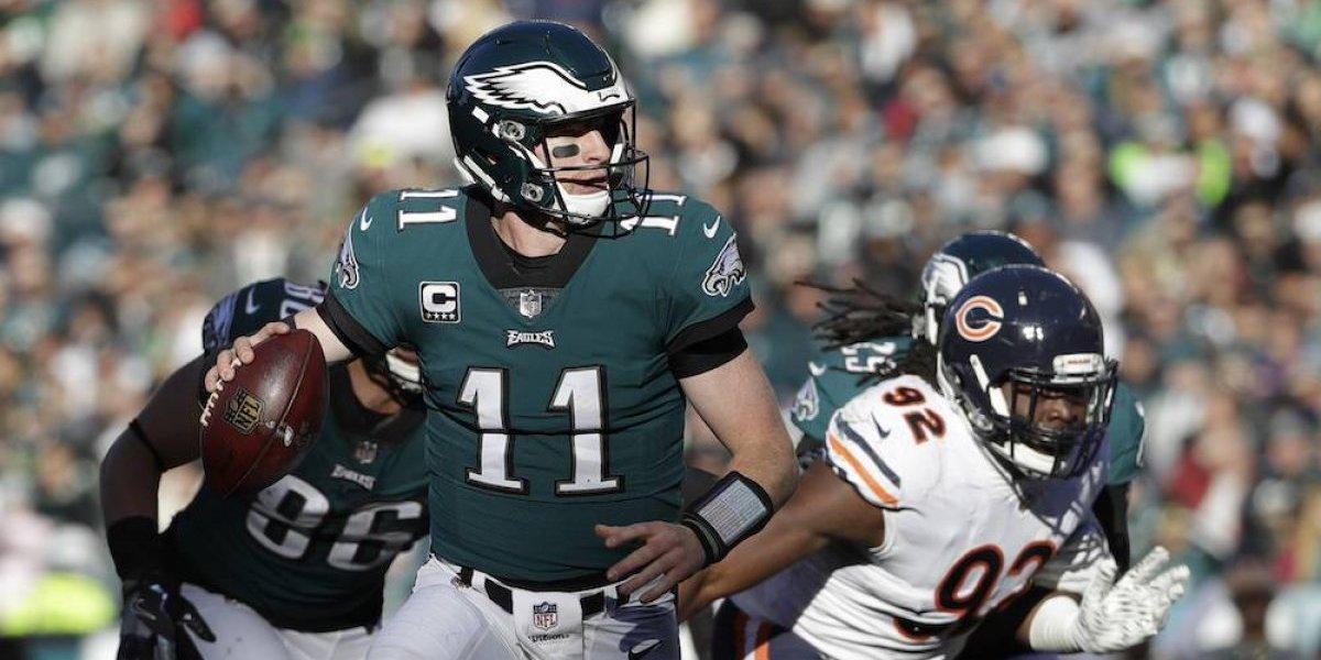 Filadelfia aplasta a Chicago y se mantiene en la cima de la NFL