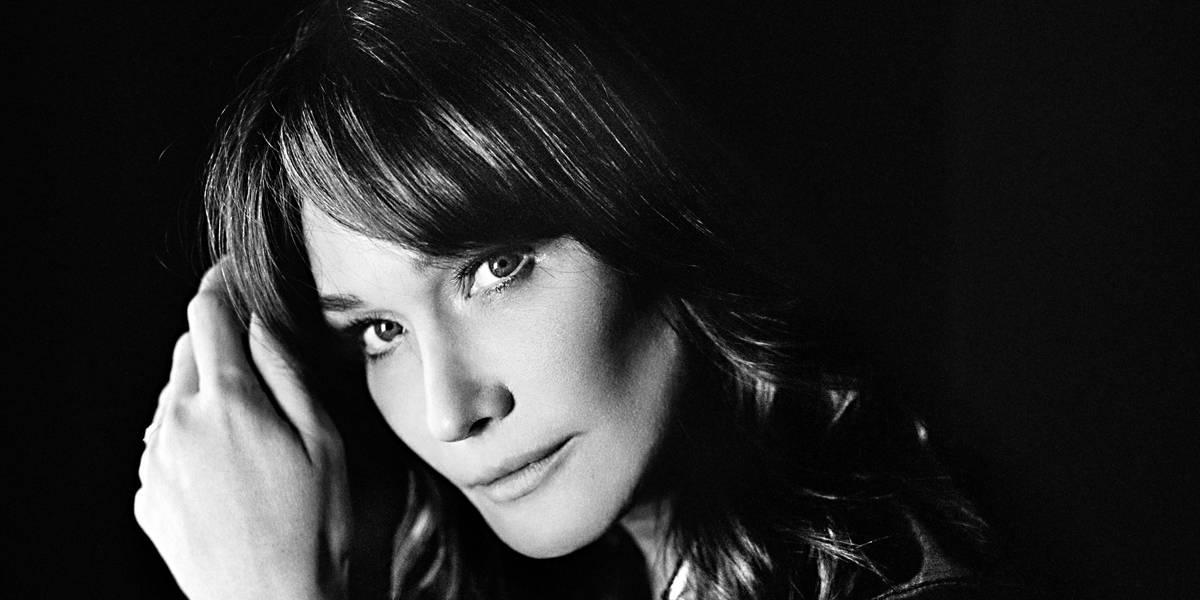 Carla Bruni se aventura no inglês com covers que vão de Rolling Stones a AC/DC