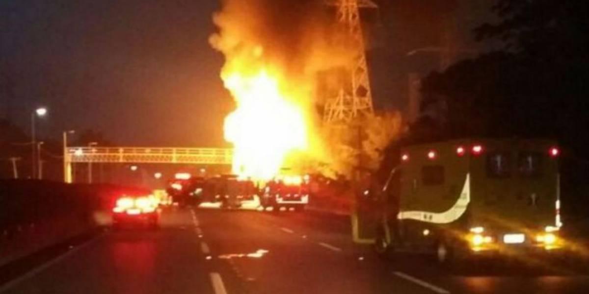 Carreta explode e interdita rodovia de São Paulo por 13 horas