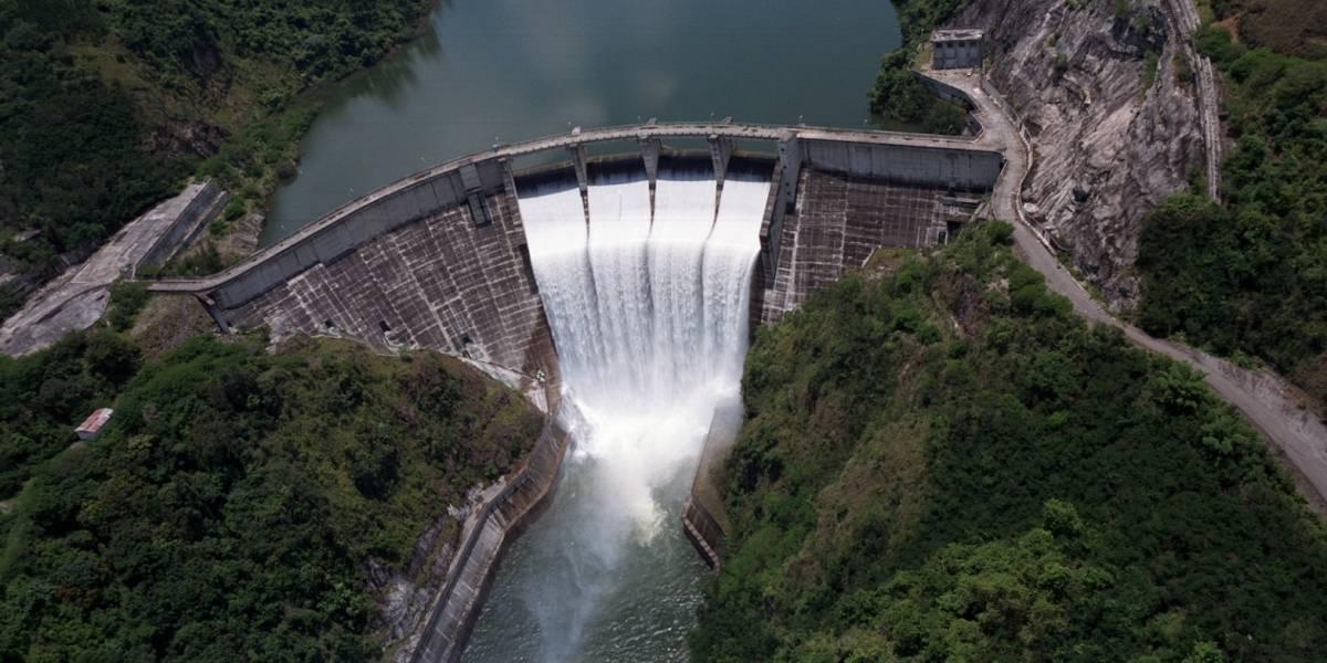 Indrhi pide sancionar a quienes arrojen desechos a canales de las presas de RD