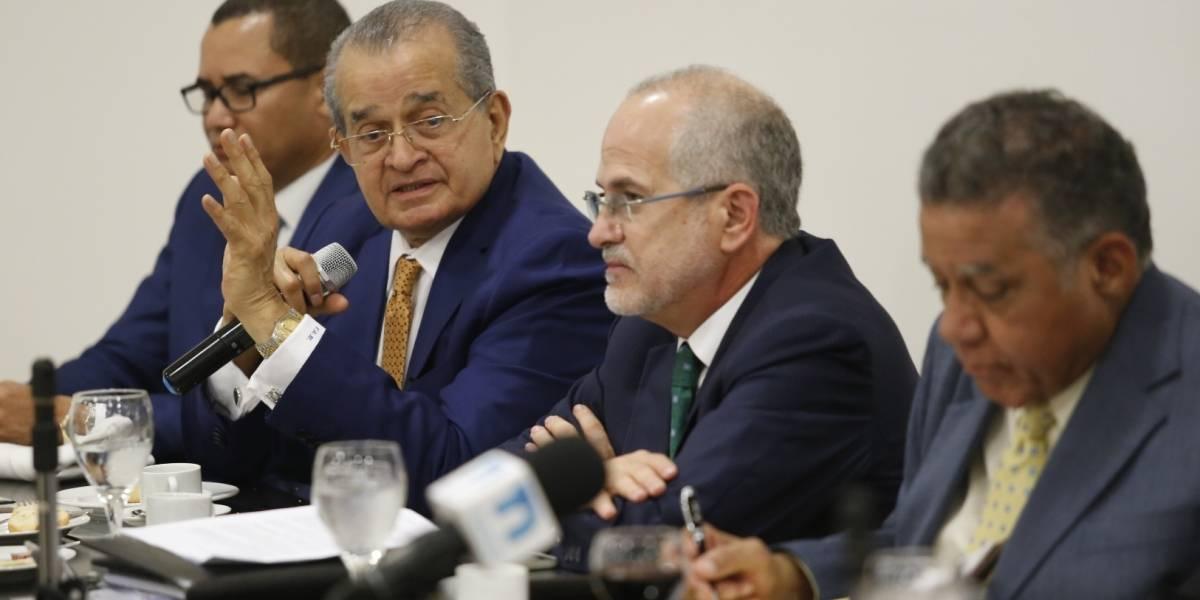 Reunión de Peralta con 25 senadores buscaría imponer primarias abiertas