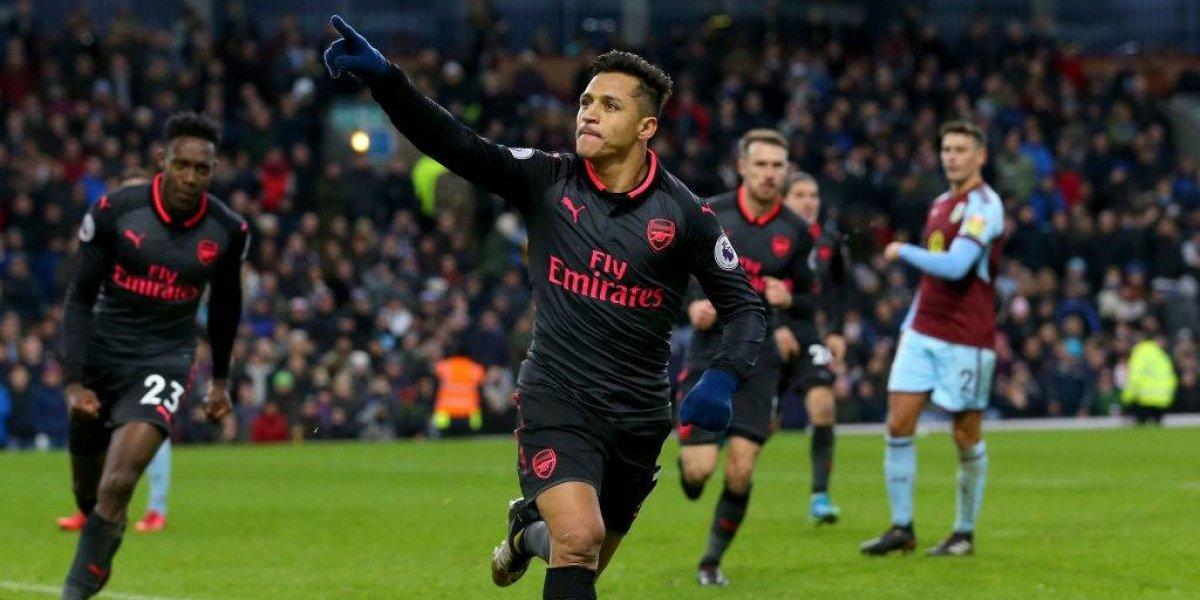 Alexis fue héroe y con un gol de penal metió al Arsenal en zona Champions