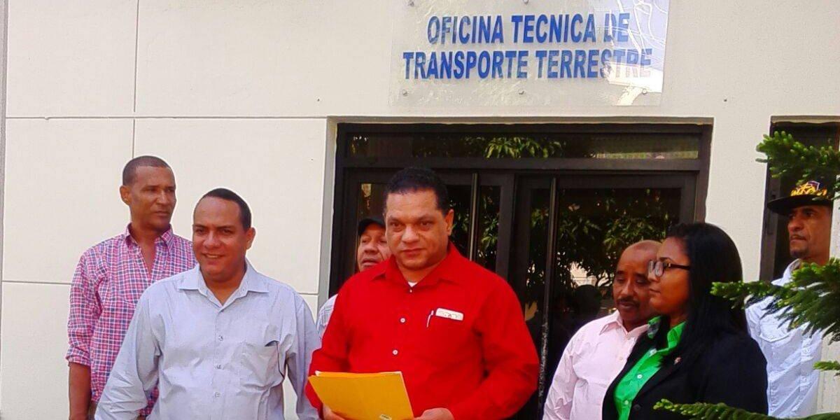 Fenattransc dice Gobierno intenta que sector privado maneje transporte público