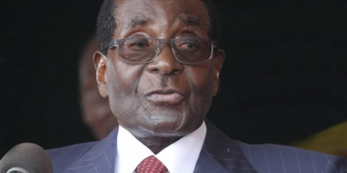 Mugabe renunció por una traición de sus lugartenientes