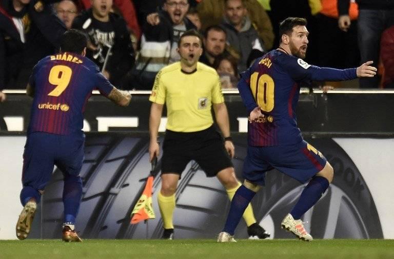 Gol anulado al Barcelona en Mestalla