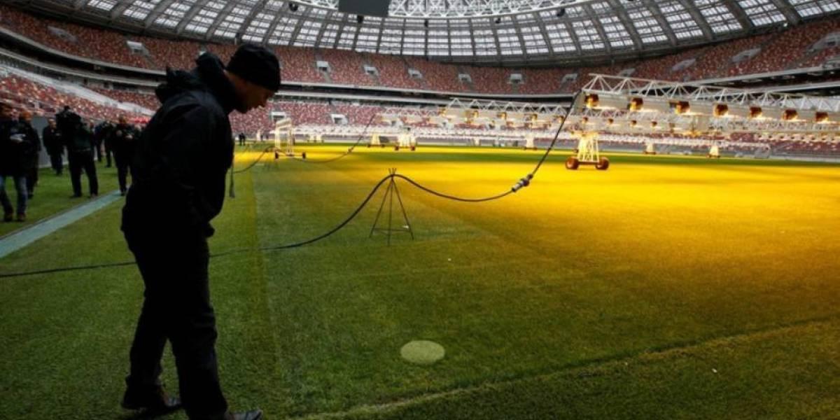 Às vésperas de sorteio da Copa, delator acusa futebol russo de doping