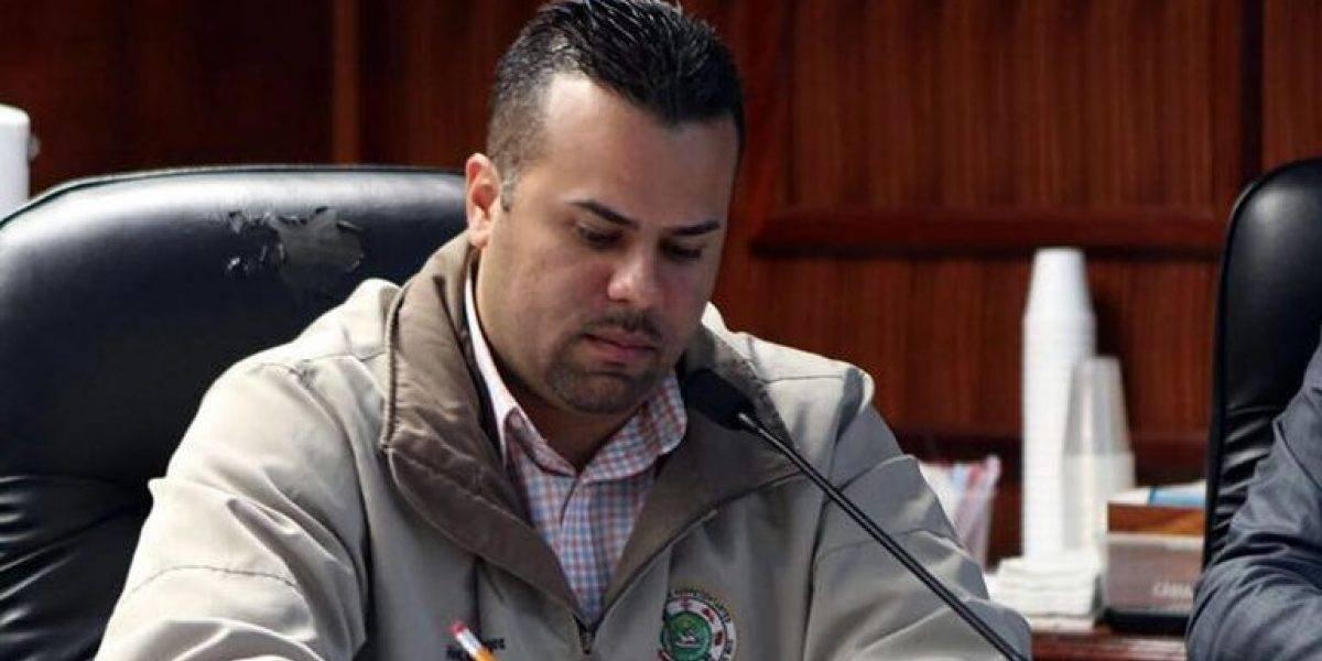 Representante pide investigación sobre falta de materiales en la AEE