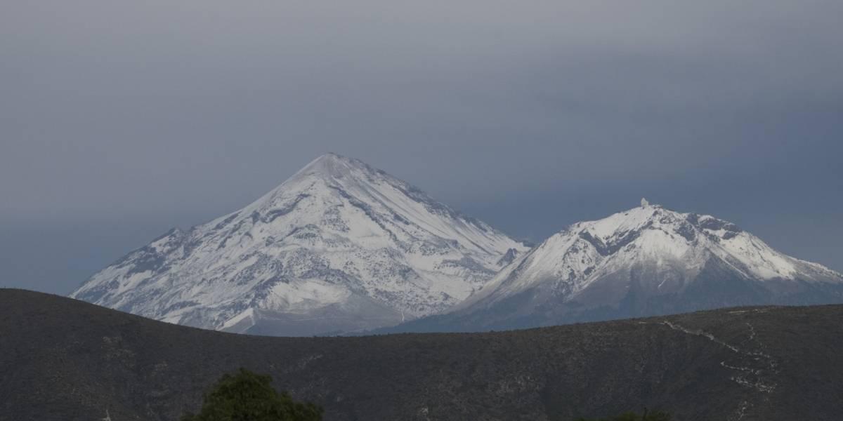 Rescatan a alpinistas perdidos en el Pico de Orizaba