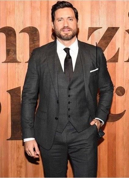 O ator, que acumula papéis de destaque no cinema europeu e americano, também é produtor executivo. Reprodução/Instagram