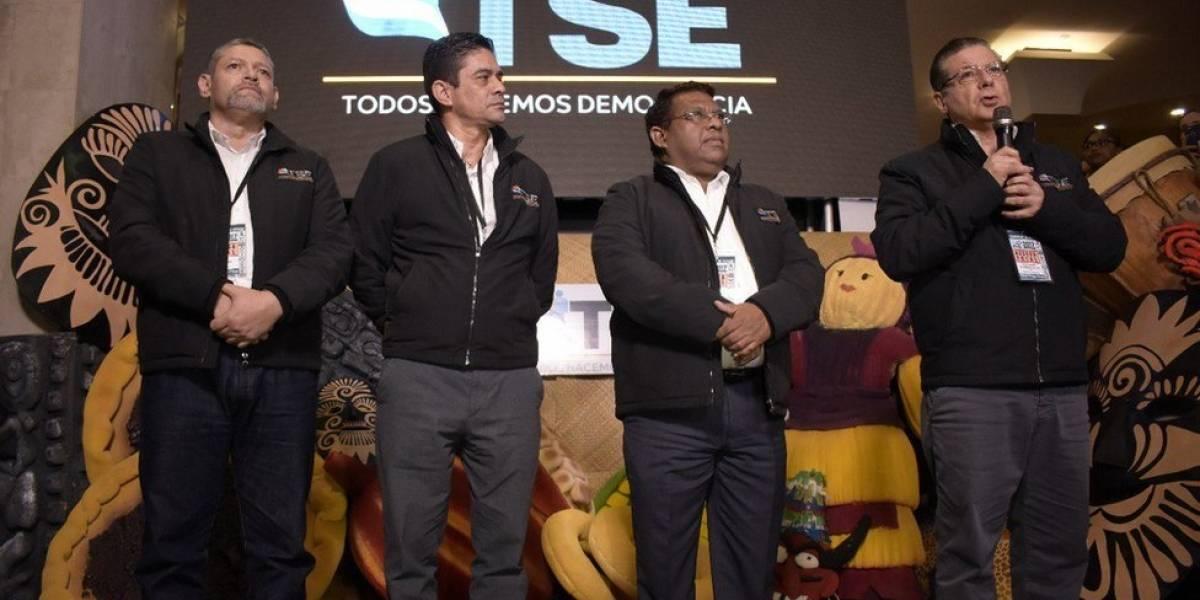 Elecciones en Honduras: el presidente Juan Orlando Hernández se autoproclama ganador pero resultados parciales le dan la ventaja al opositor Salvador Nasralla