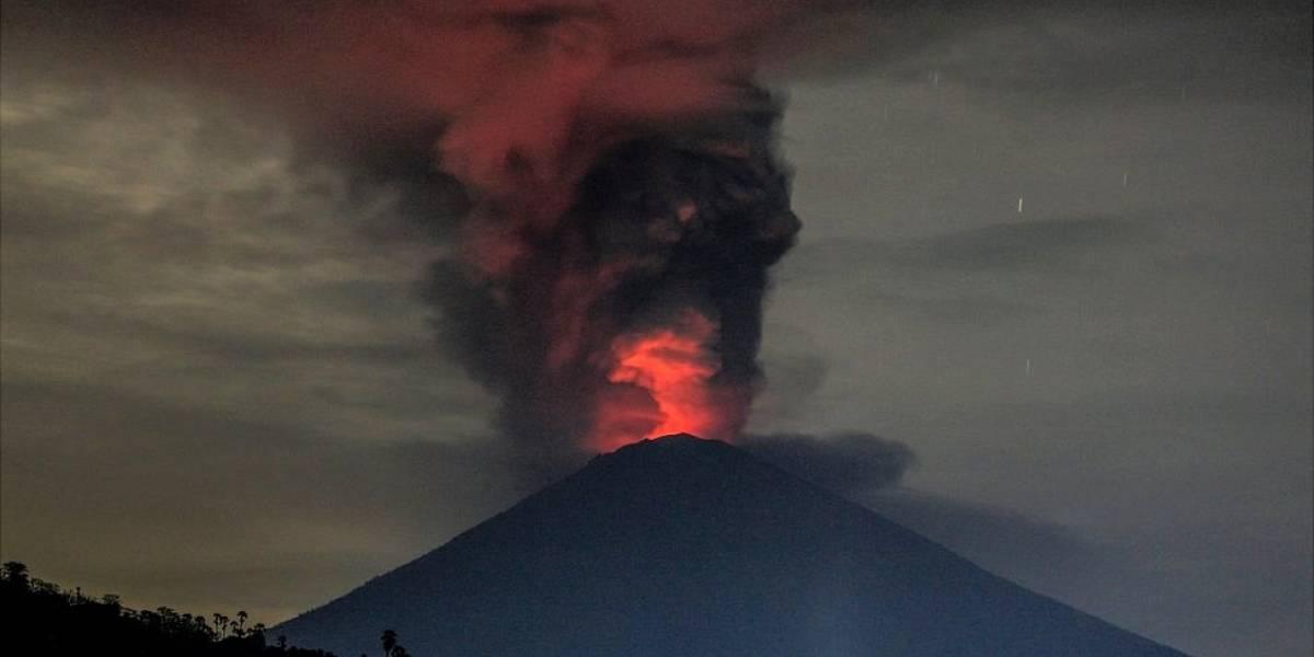 Qué ocurre en un gran volcán a punto de entrar en erupción: las impresionantes imágenes del Agung en Bali explicadas por una vulcanóloga