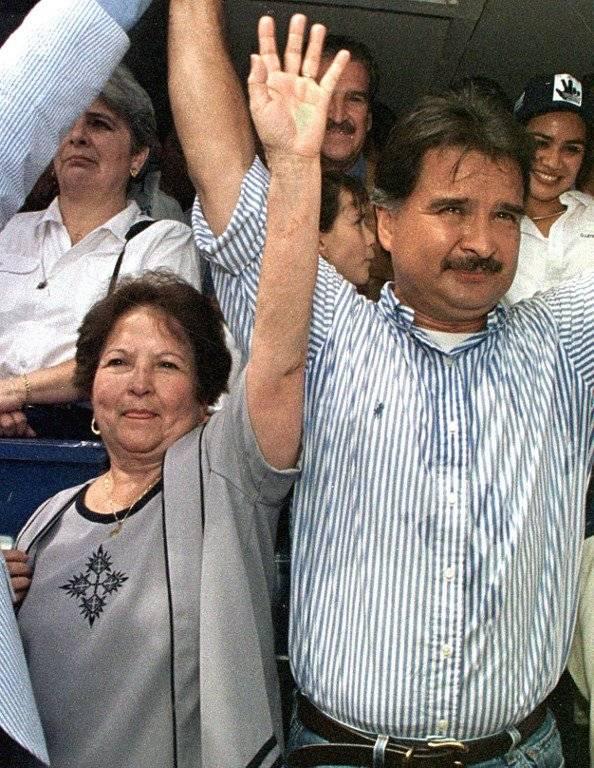 Alfonso Portillo y su madre, Hilda Cabrera