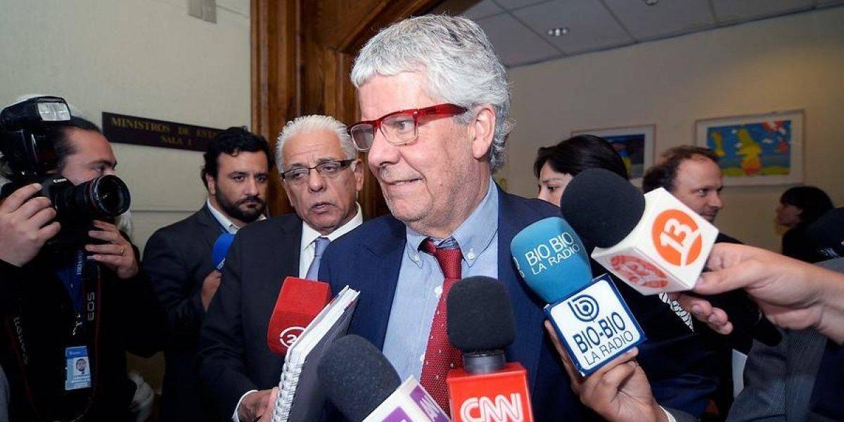 """Gobierno y Sector Público firmaron """"la pipa de la paz"""" con ajuste salarial de 2,5 %"""