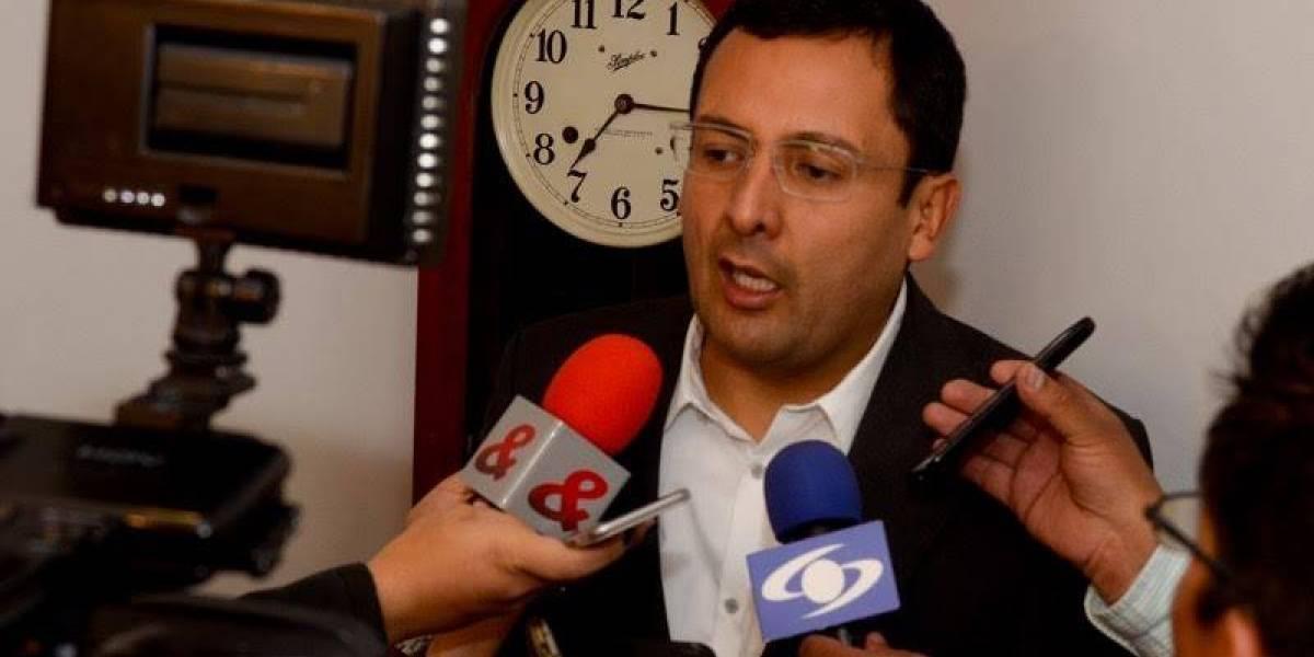 Fiscalía llama a interrogatorio al contralor de Bogotá
