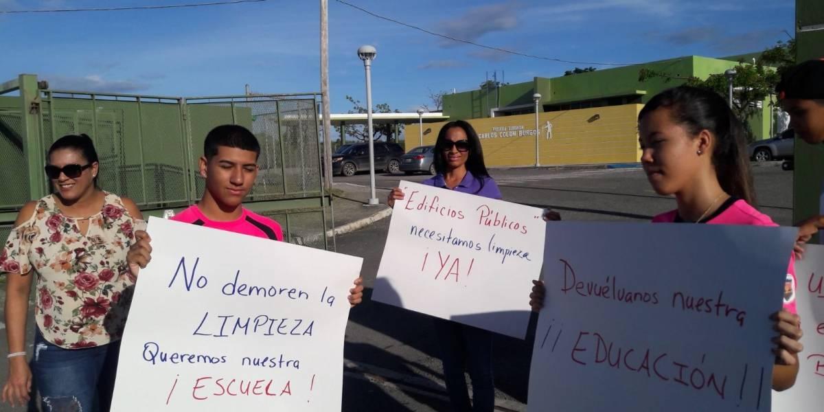 Protestan para que se abra escuela en Salinas