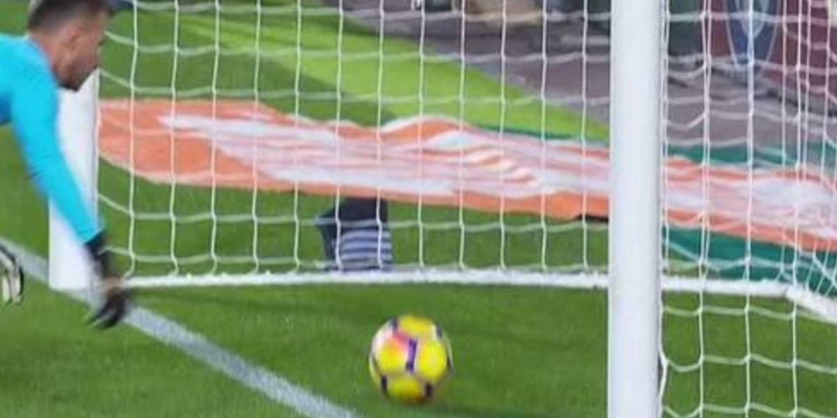 """España solo habla del """"no gol"""" de Messi"""
